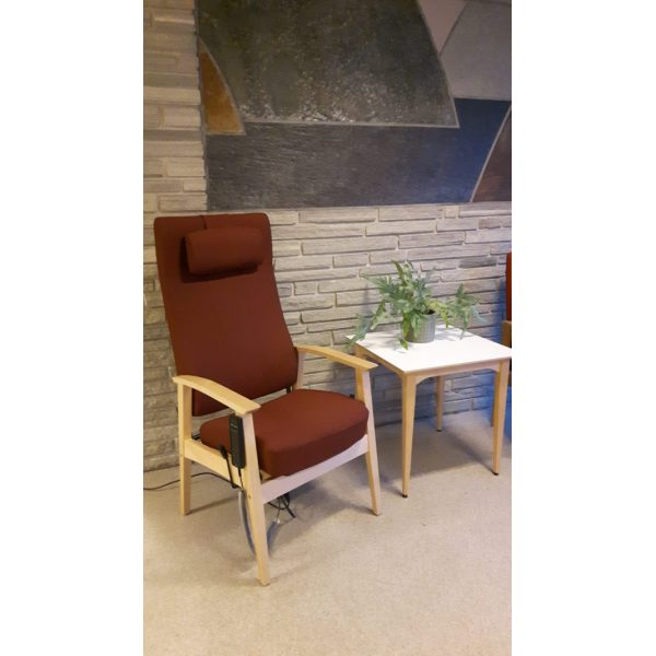 NEXUS - Chair with neck rest, electric elevating